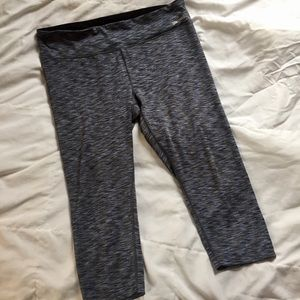Spalding Workout Legging Capris